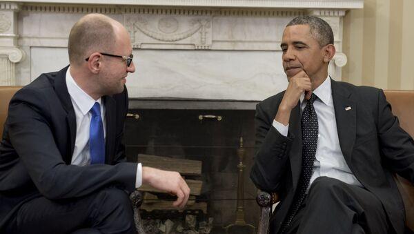 Americký prezident Barack Obama a ukrajinský premiér Arsenij Jaceňuk v Bílém domě, 2014 - Sputnik Česká republika