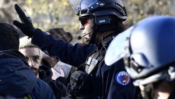 Francie. Policisté. Ilustrační foto - Sputnik Česká republika