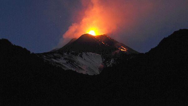 Vulkán Etna - Sputnik Česká republika