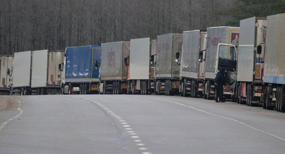 Auta na hranici Běloruska s Litvy. Ilustrační foto
