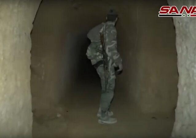 Syrská armáda objevila síť tunelů teroristů ve východní Ghútě