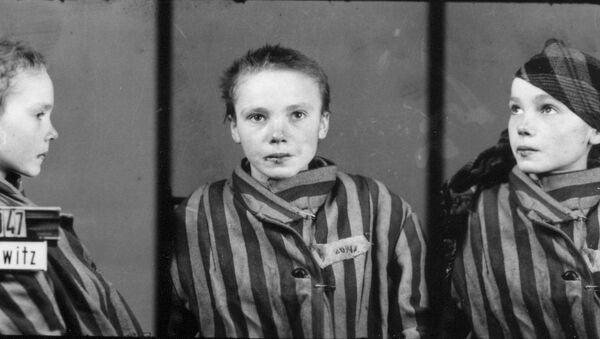 Снимок Чеславы Квоки — 14-летняя узница Аушвица, 1942/43 - Sputnik Česká republika