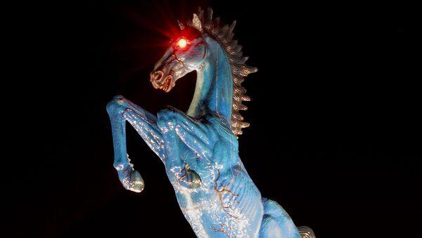 Socha modrého koně u budovy letiště v Denveru - Sputnik Česká republika