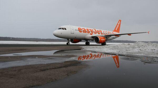 Letadlo Airbus A320 společnosti EasyJet - Sputnik Česká republika