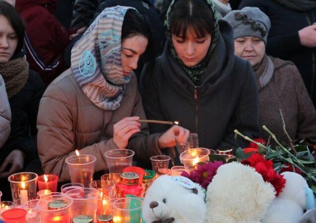 V Rusku a zahraničí proběhly akce věnované památce zemřelým v Kemerovu