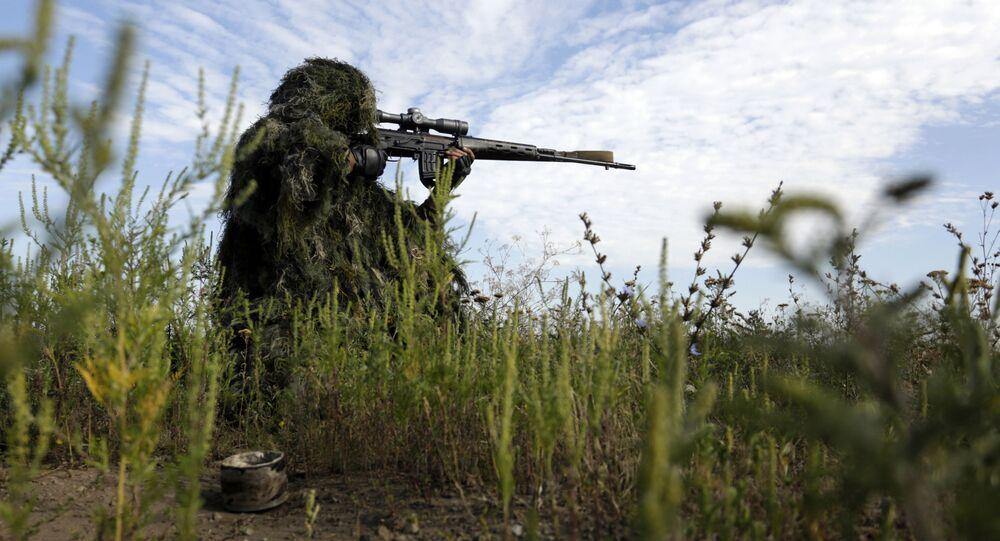 Ukrajinský odstřelovač v Luhanské oblasti. Ilustrační foto