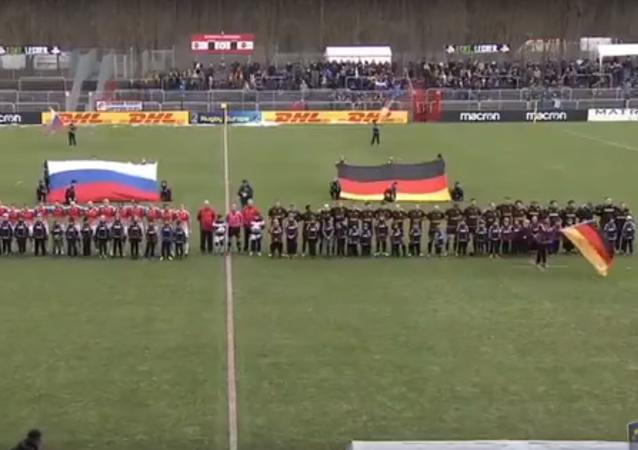Ruští ragbisté si poslechli sovětskou hymnu a porazili Německo
