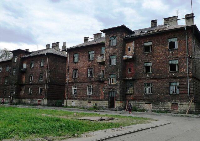 Přednádraží v Přívoze. Romové