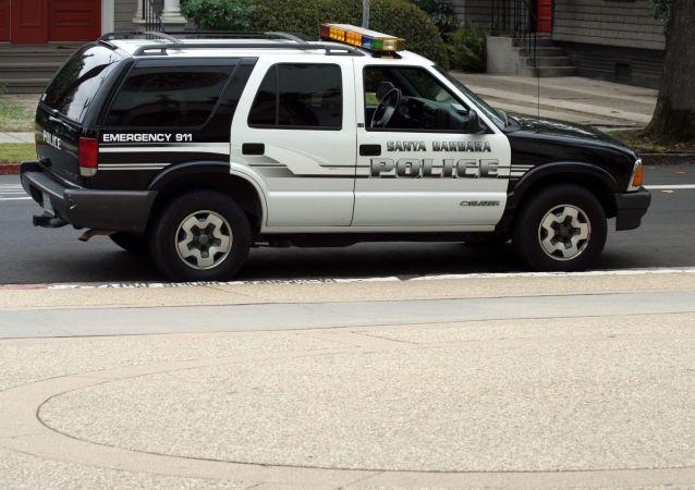 Policejní vůz v Santa Barbaře, stát Kalifornie. Ilustrační foto