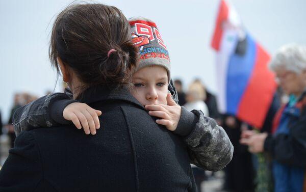 Někdo přišel i s dítětem - Sputnik Česká republika