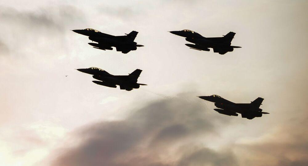 stíhačky F 16