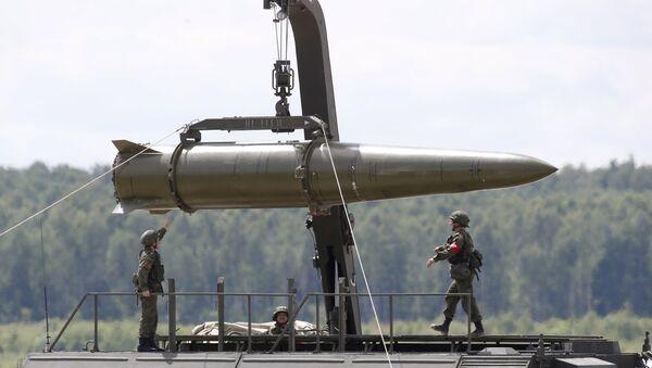 Raketový koplex Iskander M - Sputnik Česká republika