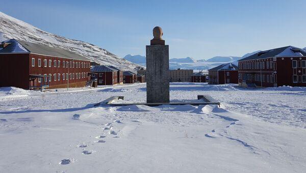 Nekonečné sněžné reliéfy a sovětská minulost souostroví Špicberky - Sputnik Česká republika