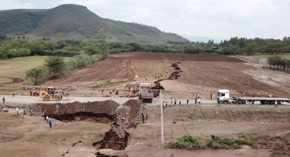 Obrovská trhlina v Keni