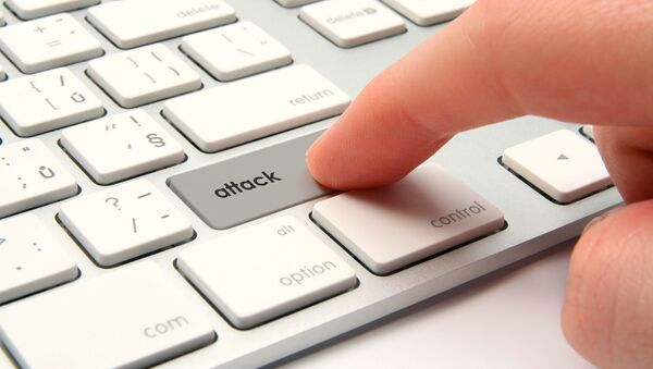 Tlačítko útoku na klávesnici. Ilustrační foto - Sputnik Česká republika