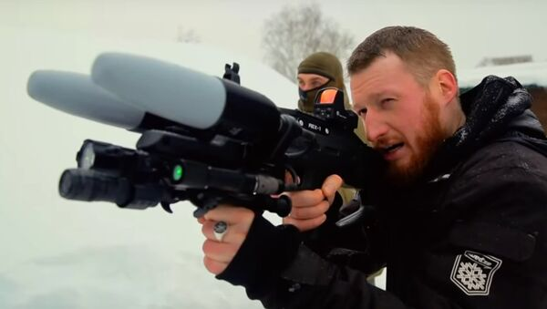 Jak antidronová puška ve skutečnosti usazuje drony - Sputnik Česká republika