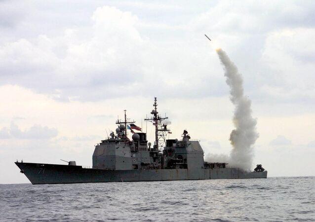 Odpálení americké rakety Tomahawk z křižníku USS Cape St. George