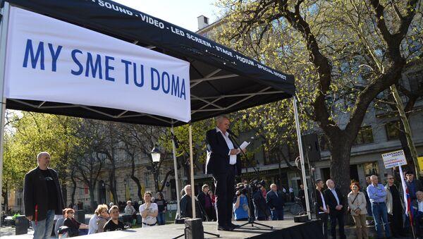 V Bratislave sa protestovalo proti vyhosteniu diplomatov Ruska a pokusom o štátny prevrat - Sputnik Česká republika