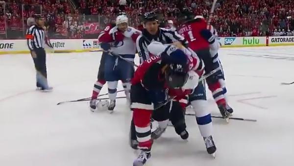 Rus a Američan vyvolali velkou rvačku na utkání NHL - Sputnik Česká republika