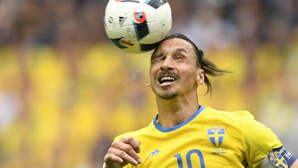 Švédský útočník Zlatan Ibrahimovič při Mistrovství Evropy 2016 - Sputnik Česká republika
