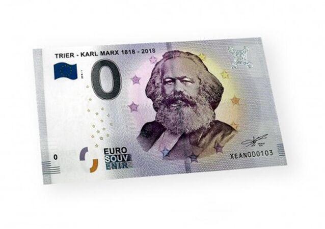 Němci vydali bankovku s hodnotou 0 eur s portrétem Karla Marxe