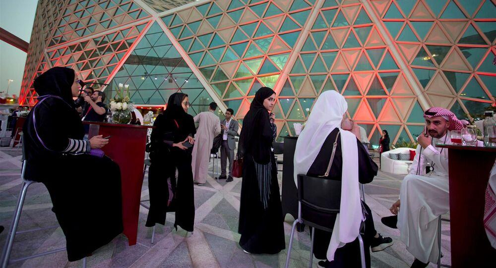 Vize 2030 v akci: v Saúdské Arábii se poprvé otevřelo kino po 35letém zákazu