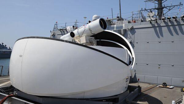 Laserový kanon na palubě americké lodě USS Dewey - Sputnik Česká republika