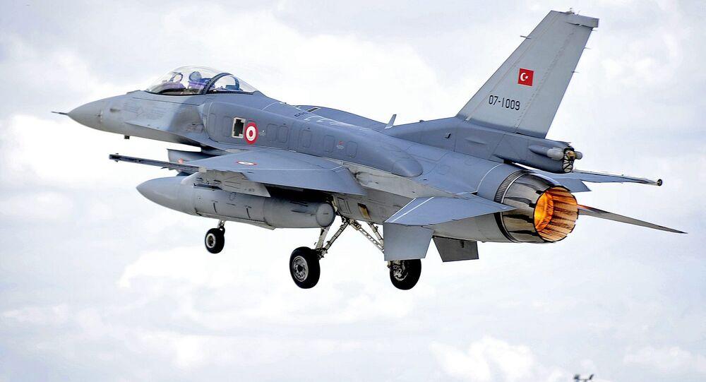Turecká stíhačka F-16