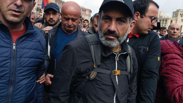Lídr arménské opozice Nikola Pašinjan - Sputnik Česká republika
