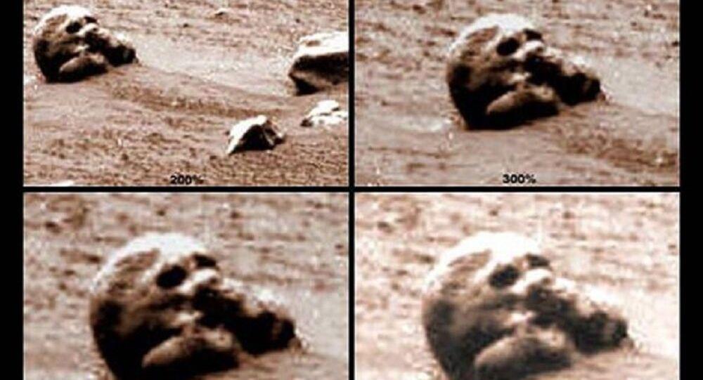 Lebka na Marsu