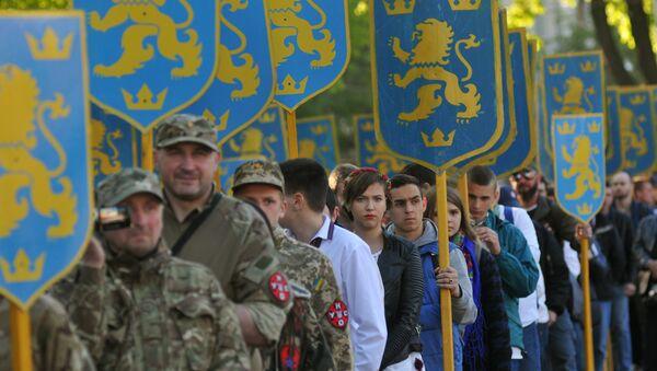 Účastníci pochodu na počest výročí založení divize SS Haličina ve Lvově - Sputnik Česká republika