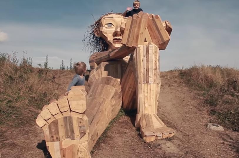 Dřevěné sochy u Kodaně