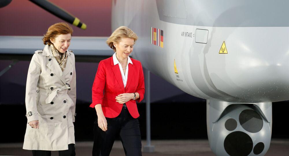 Ministryně obrany Německa a Francie Ursula von der Leyen a Florence Parlyová