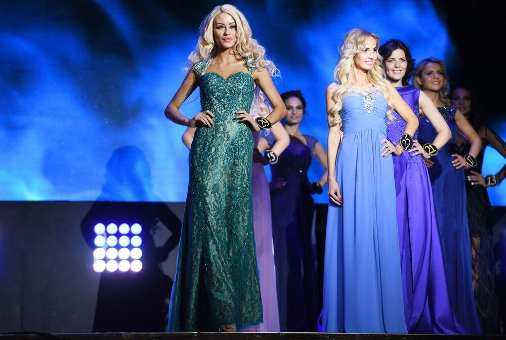 Jejich krása působí silným dojmem. Finále soutěže krásy Mrs&Ms Russia Earth 2018