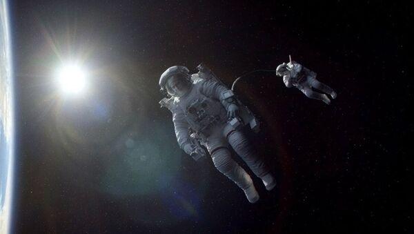 Záběr z filmu Gravitace - Sputnik Česká republika