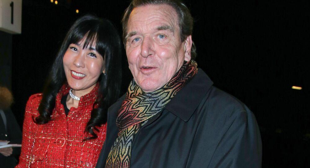Gerhard Schröder a Kim So-yeon