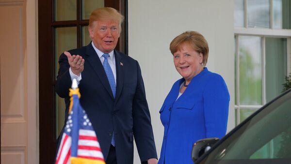 Donald Trump a Angela Merkelová - Sputnik Česká republika