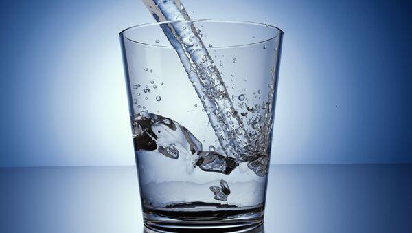Sklenice vody - Sputnik Česká republika