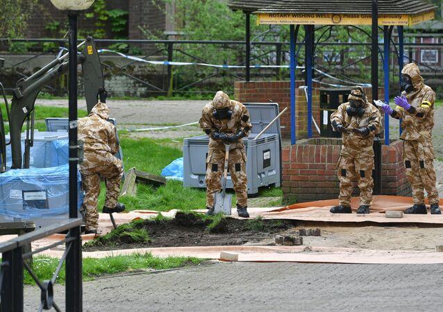 Britští experti v Salisbury