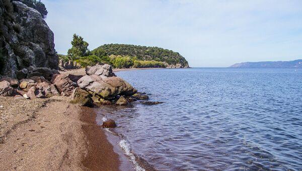 Pobřeží ostrova Lesbos - Sputnik Česká republika