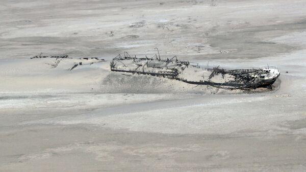 Ztroskotala loď na pobřeží Namibie - Sputnik Česká republika