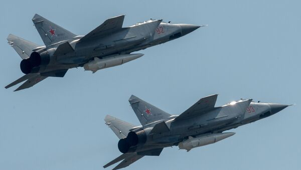 MiG-31 s raketou Kinžal - Sputnik Česká republika