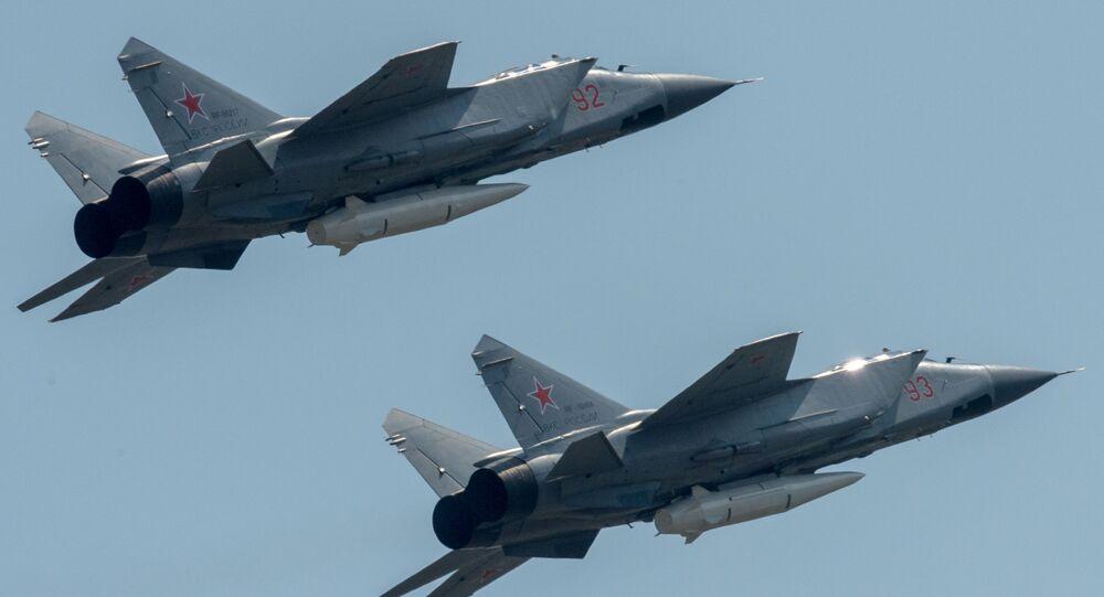 MiG-31 s raketou Kinžal