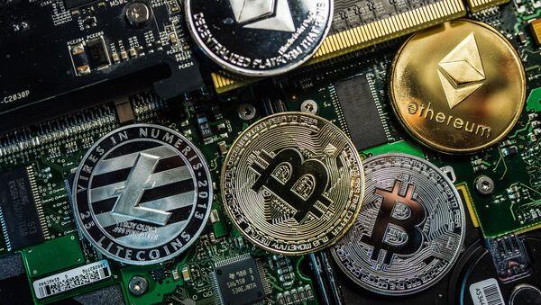 Kontrolují Rothschildové kryptoměny? - Sputnik Česká republika