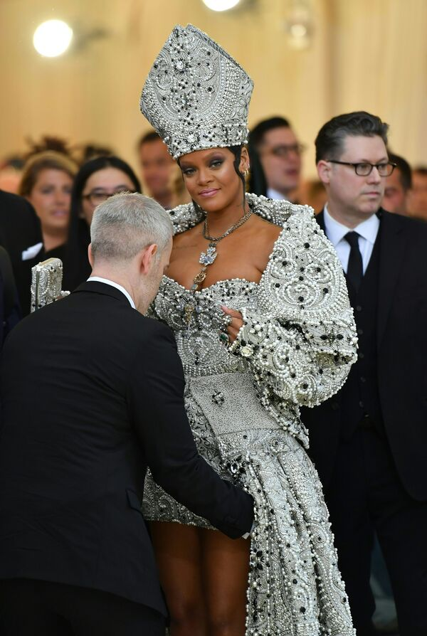 Kdo tento rok šokoval. V New Yorku se konal ples Met Gala 2018 - Sputnik Česká republika
