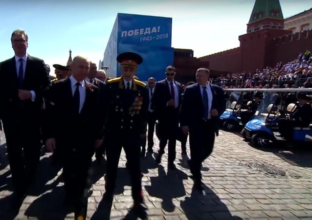 Putin se zastal veterána, kterého po přehlídce vítězství odstrčil pracovník ochranky