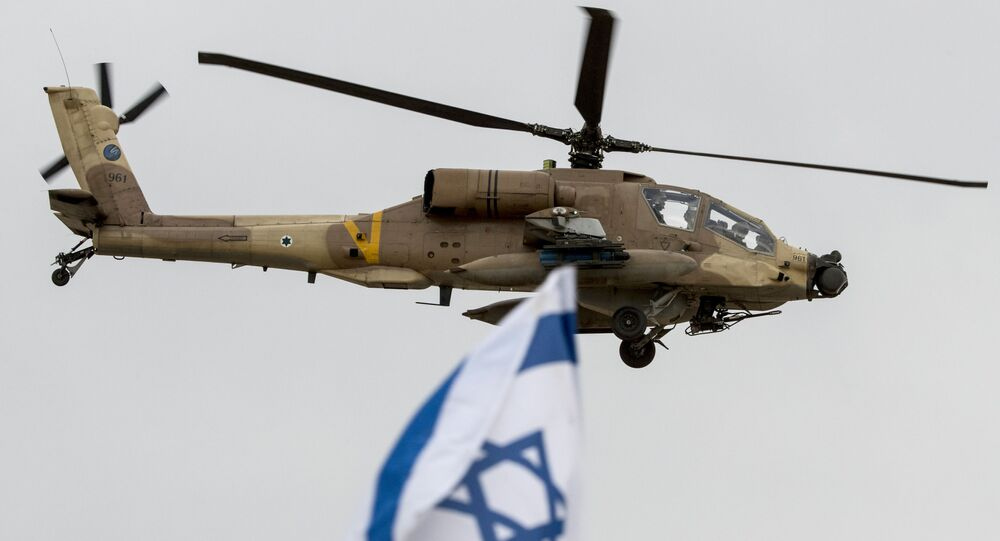 Izraelský vrtulník AH-64 Apache