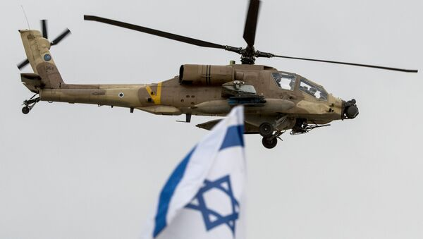Izraelský vrtulník AH-64 Apache. Ilustrační foto - Sputnik Česká republika