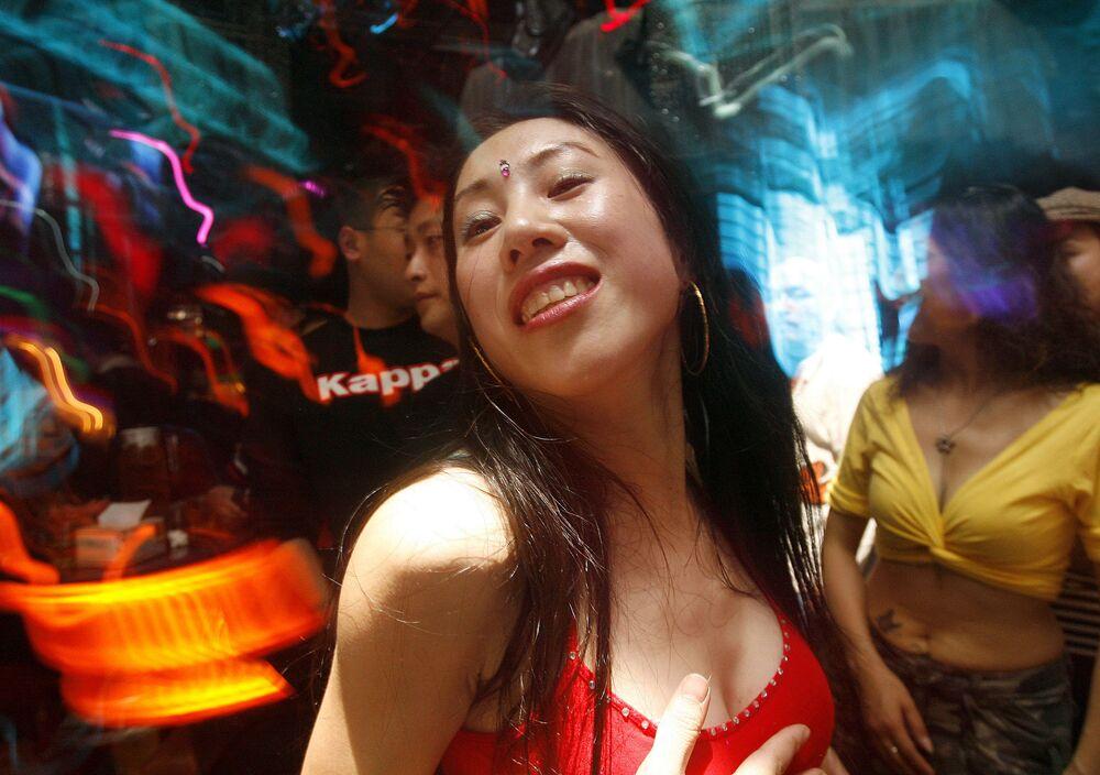 Ohnivá vášeň a nekonečná ohebnost tanečnic břišního tance
