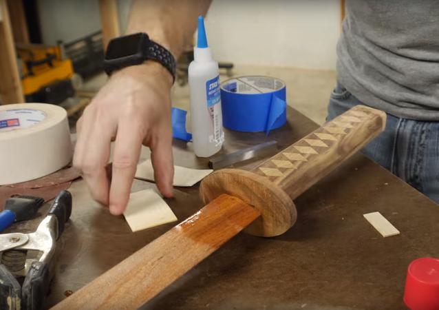 Jak udělat katanu ze dřeva